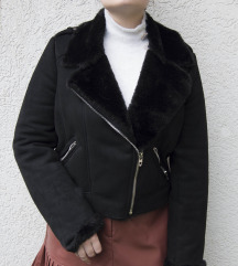 Zara faux fur crop jakna