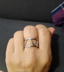 Srebrn prstan