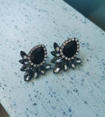 Elegantni črni uhani