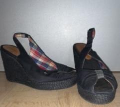 Tommy Hilfiger čevlji