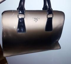 Nova torbica replika