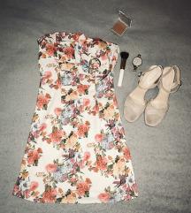 Rožasta obleka