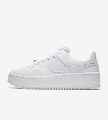 IŠČEM Nike Air Force 1 Sage Low