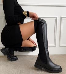 Črni overknee škornji
