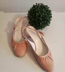 Nežni sandali v izgledu balerink