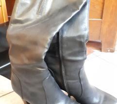 Škornji s petko do kolen