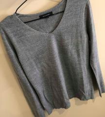 Tanek siv pulover