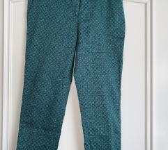 Zara zelene hlače z vzorci