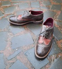 št. 43 pravo usnje čevlji (Italija)