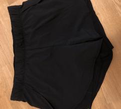 Tekaške kratke hlače Nike – mpc 45 EUR