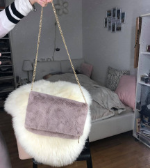 Fluffy torbica z verigo