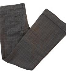 REZERVIRANO//Kariraste hlače