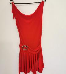 Rdeča plesna oblekca