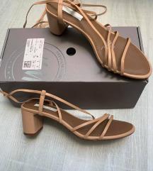 H&M usnjeni sandali 39