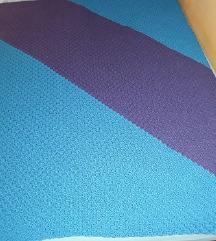Kvačkana odeja cca 140 x 140 cm