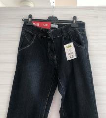 NOVE jeans hlače z etiketo