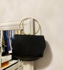 črna majhna torbica