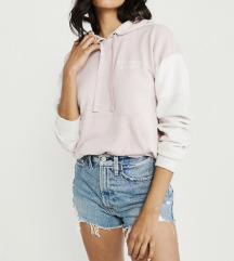 Roza pulover nov (znizan iz 80€)