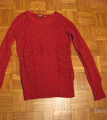 Rdeč pulover M