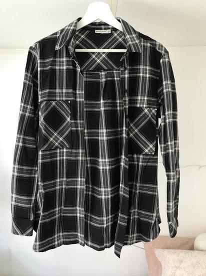 Črno bela črtasta flanel srajca