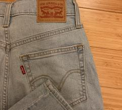 nove Levi`s mom jeans hlače številka 27