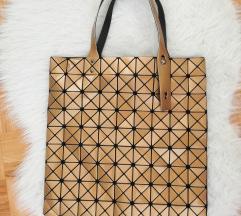 Torbica torba zlata v stilu Bao Bao Issey Myake