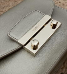 Furla Metropolis, zlata torbica, MPC 250€