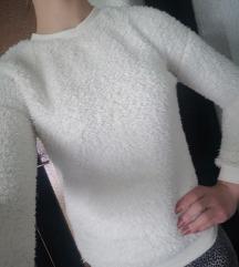Beli puhasti pulover