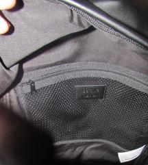 nov črn faux-leather nahrbtnik  - Guess logo