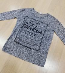 ZNIŽ.Nov pulover z napisom