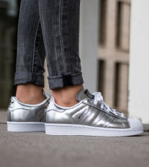 Adidas superstar srebrne superge mpc130