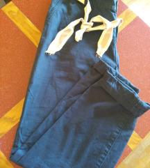 Bombažne hlače s pasom