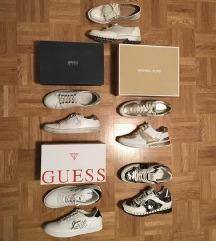 Armani Jeans, Guess & Michael Kors superge