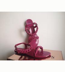 Givenchy jelly sandali mpc 250$