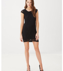 Črna čipkasta oblekica