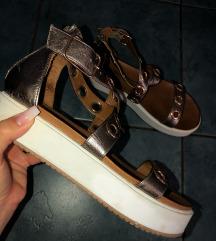 Inuovo sandali