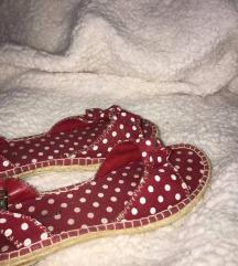 Pikčasti čevlji