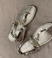 Renini zlati sandali 40