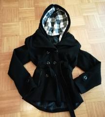 črn kratek  zimski plašč s kapuco s/m