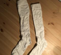 nove bele nogavičke s srčki, nad koleni