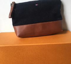 Tommy Hilfiger original torbica - kupljena za 80