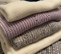 Komplet 4 puloverjev