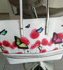 Nova torbica večje velikosti