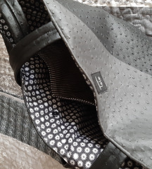 Velika črno siva torba