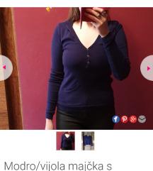 Modro/vijola majčka s kapuco