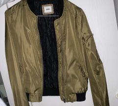olivno zelena bomber jakna