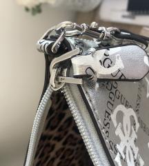 Nova guess torbica mpc 95€