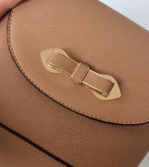 rjava torbica z mašnico