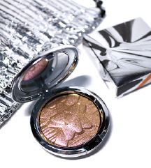 MAC Extra Dimension Skinfinish: Snowflushed