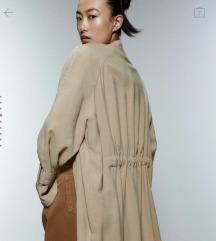 Znižam; Popolnoma novi Zara jakna- terečkot